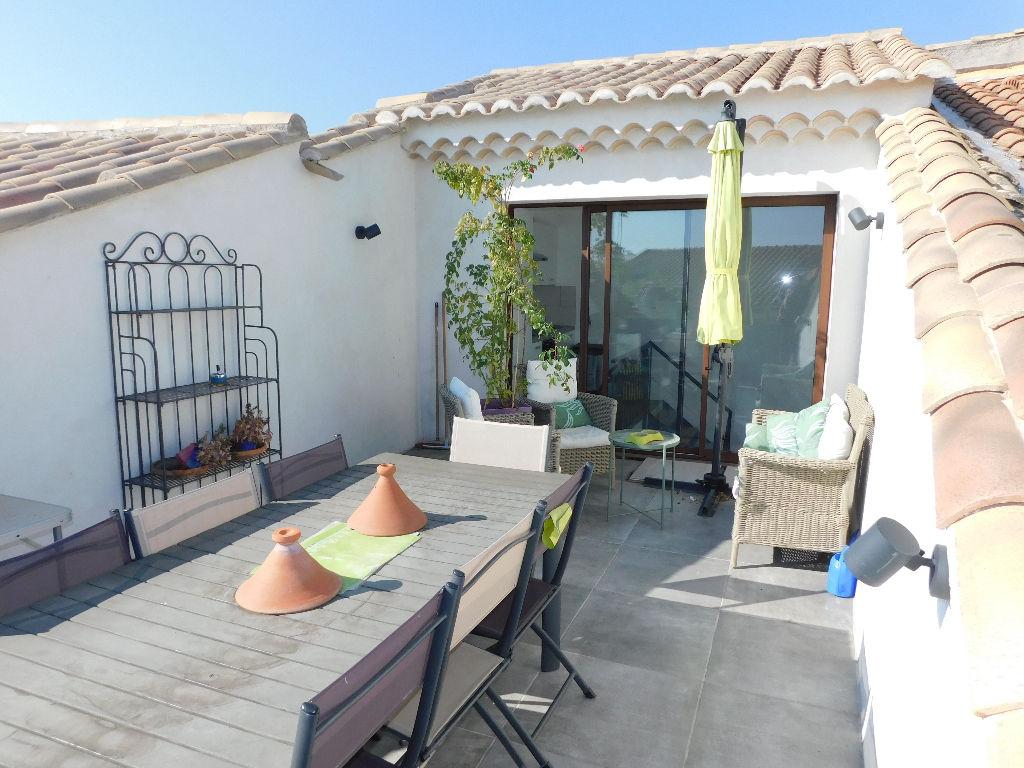 tropezienne terrasse cheap la cerise sur le gteau serait de crer une terrasse tropezienne mais. Black Bedroom Furniture Sets. Home Design Ideas